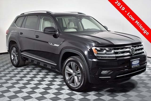 Pre-Owned 2019 Volkswagen Atlas SEL R-Line and 4Motion